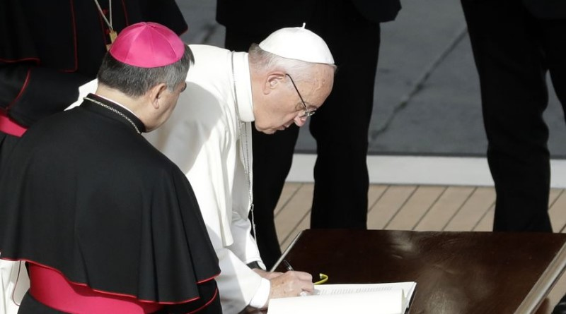 Pope Francis gives priests indefinite power to forgive abortions