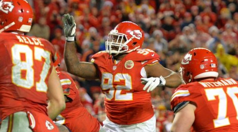 Chiefs' 346-pound DT Dontari Poe throws TD on 'Bloated Tebow Pass'