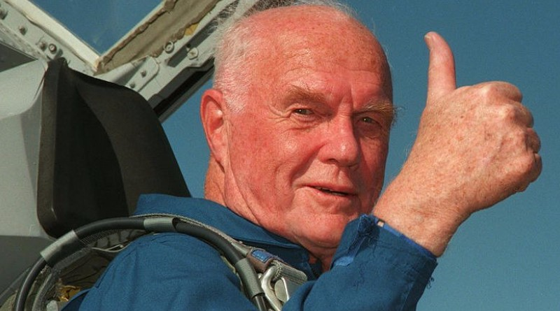 John Glenn, a pioneering former US astronaut, has died